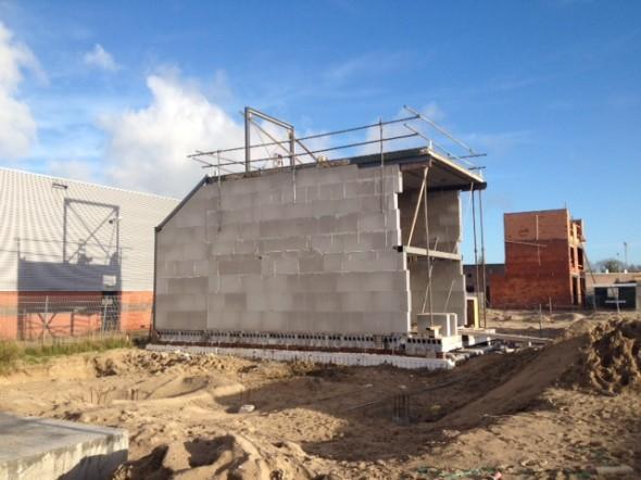 Staalconstructie 1e verdieping wordt geplaatst.