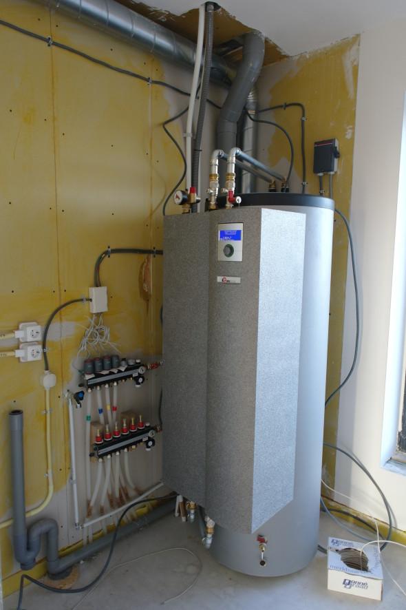 Binnen-unit luchtwarmtepomp Alpha InnoTec van Sanne en Jasper